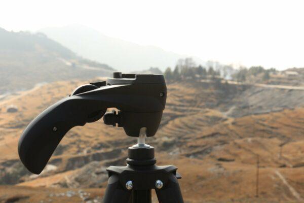Stativ für Fernglas und Kamera